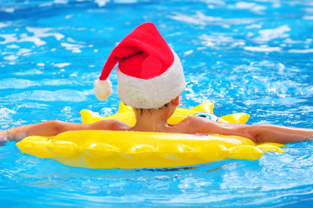 Non class baches piscines for Marchand de piscine