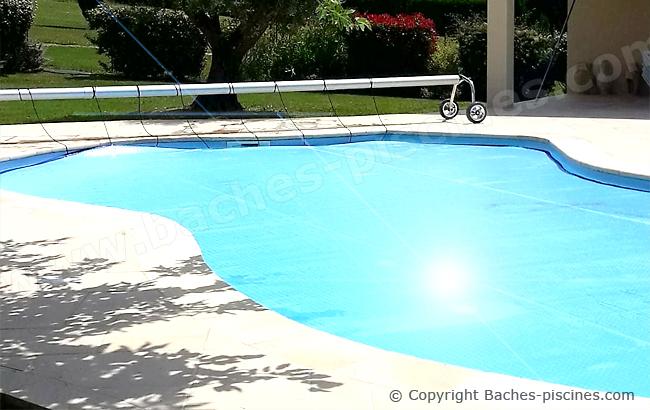Couverture piscine forme libre