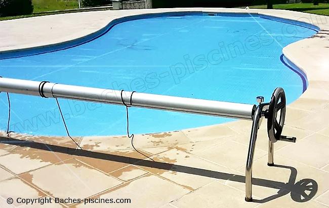 Couverture piscine été solaire forme libre