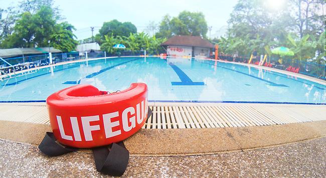 Sécurité barrière piscine