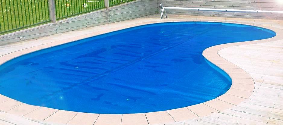 bache piscine sur mesure haricot