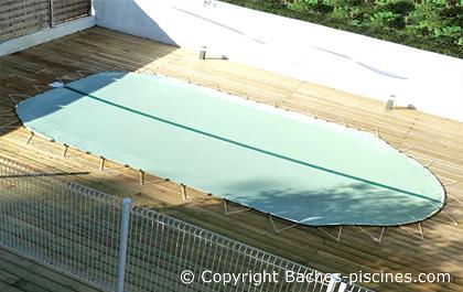 Bache de piscine hivernage opaque couvertures piscines for Bache hivernage piscine