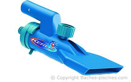 Brosse aspirante piscine dtails hydro tools cm en for Aspirateur piscine pile