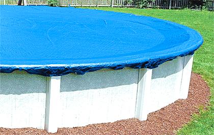 Couverture piscine. Bâche hiver bassin hors sol.
