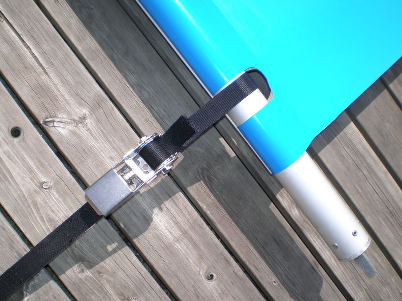 Attache fixation bache de piscine barres baches for Bache a barre pour piscine