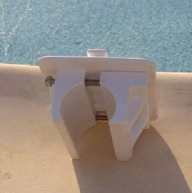 Fixation enrouleur piscine tubulaire