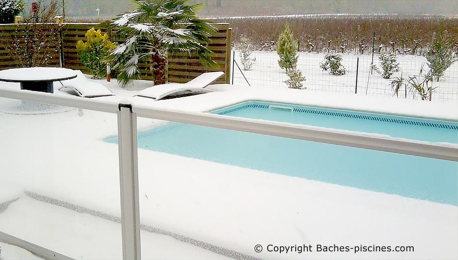 Accessoire d'hivernage et anti gel piscine