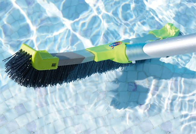 Balai anti algues  piscine