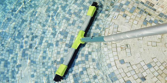 Balai Xpro KERLIS piscine