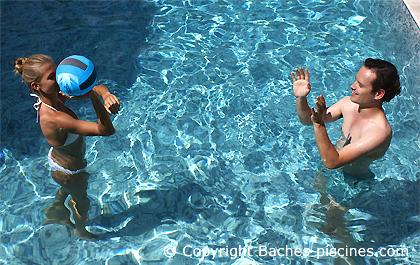 ballon plage et piscine
