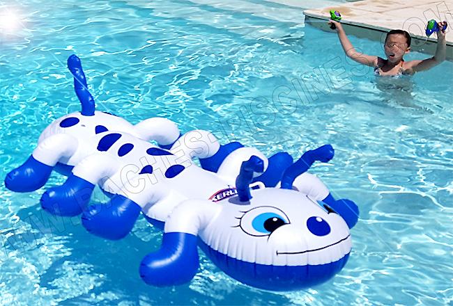 jeux piscine bouée chenille