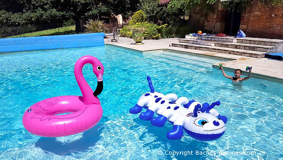 Loisirs, bouées et jeux piscine