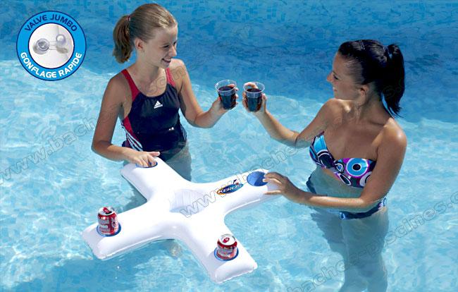 Porte gobelet flottant mini bar for Bar flottant pour piscine