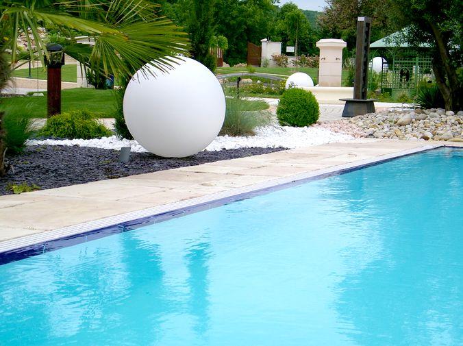 Boules et pots lumineux for Boules lumineuses piscine